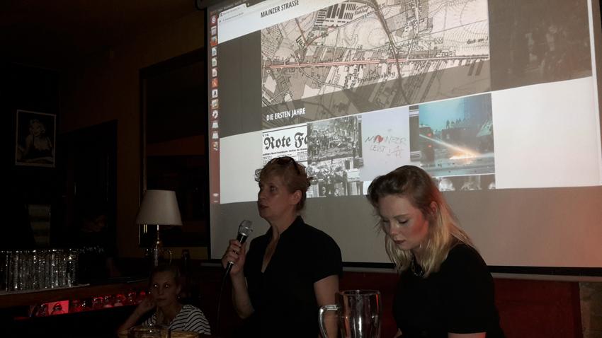Vorstellung der Website: Franca Fischer, Christine Bartlitz, Sara Stammnitz (v.r.). Foto I. Zündorf ©